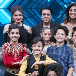 Fotocorp govinda and raveena tandon on the sets of super dancer raveena tandon govinda shilpa shetty thecheapjerseys Images