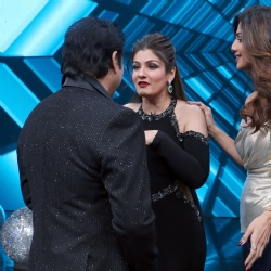 Fotocorp govinda raveena tandon shilpa shetty govinda and previousnext altavistaventures Choice Image