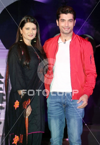 Fotocorp : Kratika Sengar,Sharad Malhotra Colors launches ...