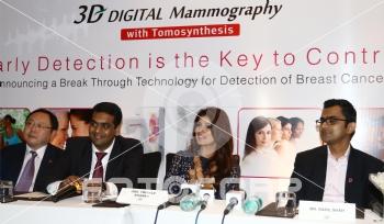 Fotocorp : Yasunobu Nishiyama,Sandip Bipte,Twinkle Khanna,Rahil Shah