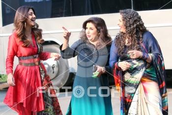 Fotocorp : Farah Khan on the sets Super Dancer 2 Farah Khan on the